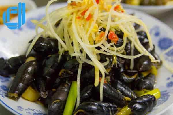 Thưởng thức ẩm thực Đà Nẵng ngày mưa khiến du khách phải xuýt xoa