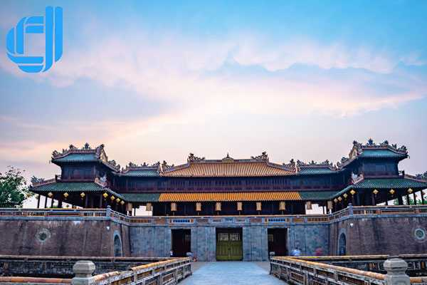 Tour du lịch Đà Nẵng Hội An Huế 2 ngày 1 đêm trọn gói mới nhất